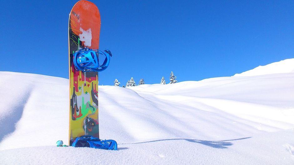 Die weiße Pracht fällt in Warth-Schröcken zu genüge. Snowboardfahrer, Skifahrer und co. können auf den Pisten ordentlich Gas geben. Der Tiefschnee sorgt für Begeisterung bei den Wintersportlern.
