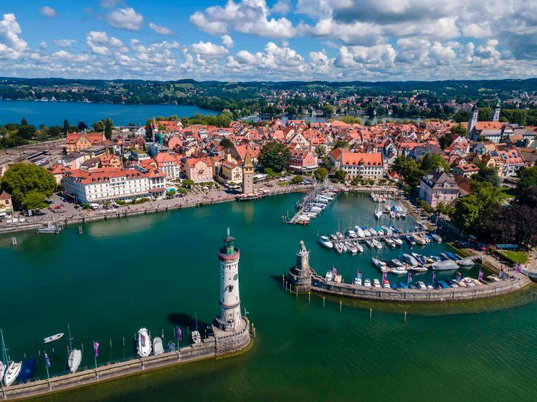 Der wunderschöne Hafen von Lindau am Bodensee.