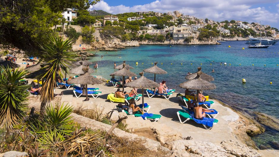 Deutsche Touristen lieben Mallorca mit seinen Stränden, der Natur und den Städten.