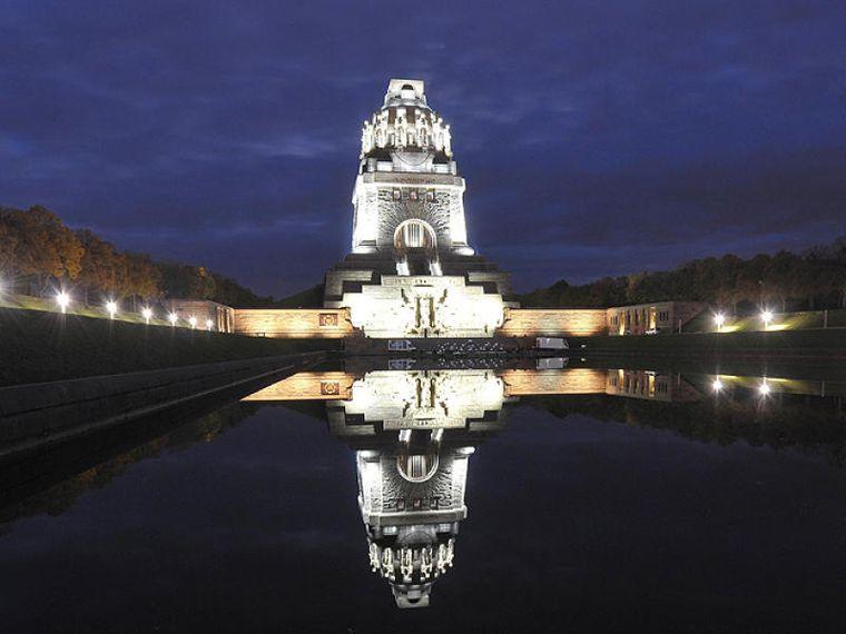 Das Völkerschlachtdenkmal ist das größte nationale Monument. 364 Stufen sind es vom Sockel bis zur Aussichtsplattform.