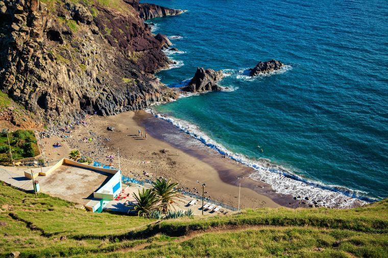 Der Prainha Beach auf Madeira gehört zu den bekanntesten der Insel.