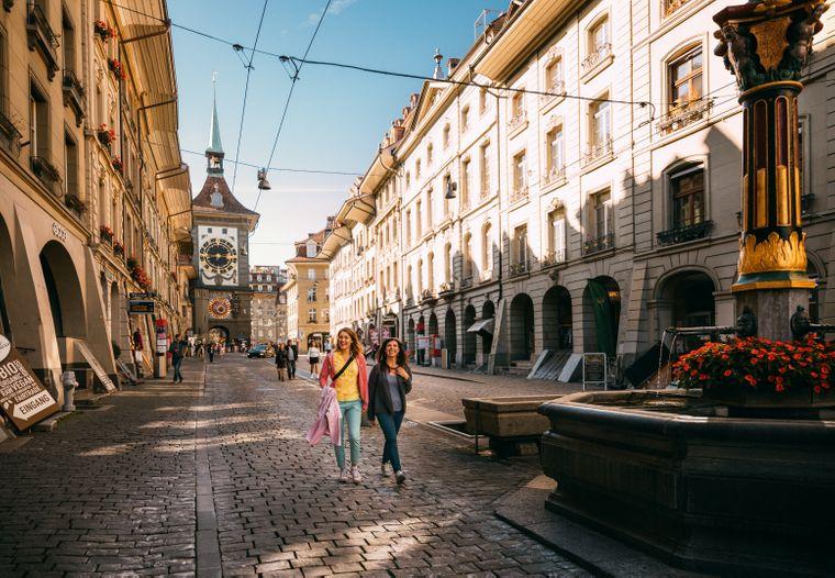 Die Berner Altstadt lädt zum flanieren ein.
