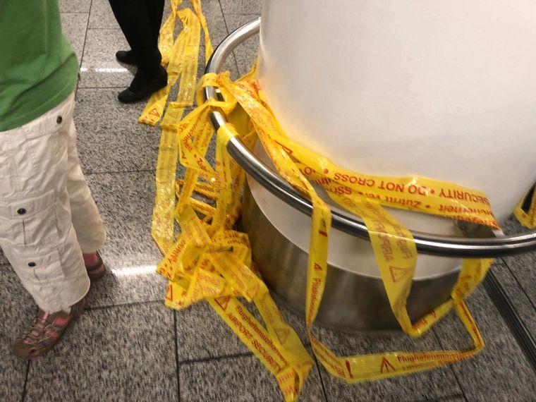 Die Bundespolizei sperrte Teile des Terminals 1 ab.