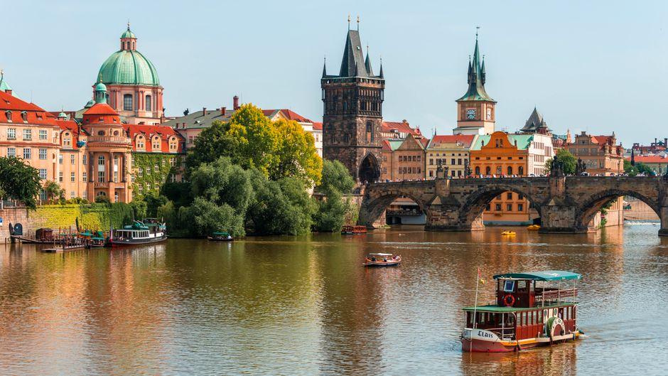 Die Hauptstadt Prag ist gleichzeitig die wohl bekannteste tschechische Stadt. Sie hat jede Menge Geschichte zu bieten. Es lohnt sich aber, auch andere historische Städte des Landes zu entdecken.