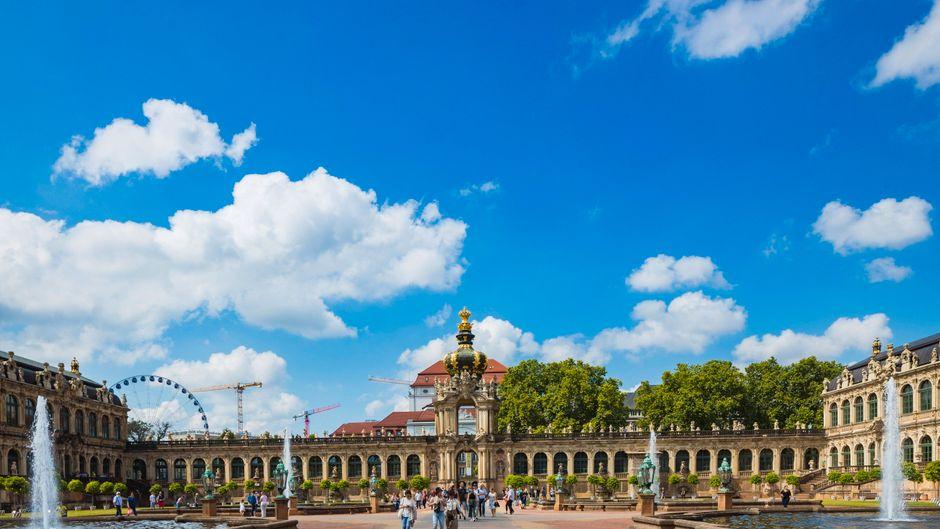 Der Zwinger in Dresden ist eines der bekanntesten Barockbauwerke Deutschlands – und er ist das Vorbild für das Märchenschloss im Disney-Film Cinderella aus dem Jahr 2015.
