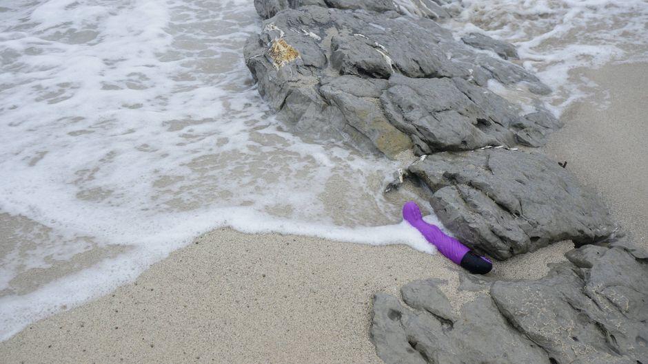 Doppeltes Vergnügen: Mit dem Dildo in den Strandurlaub. (Symbolfoto)