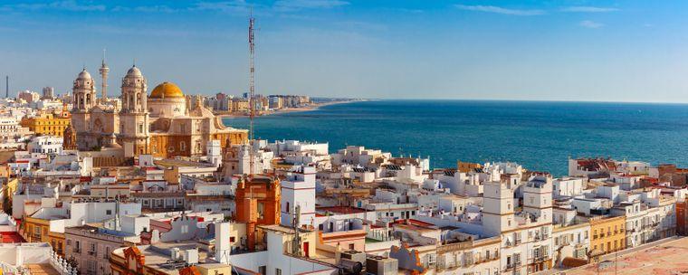 Eine der schönsten Städte Spaniens liegt am Atlantik im Südwesten Andalusiens: Cádiz.