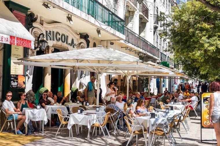 """Auf einen Kaffee in Lissabon – """"uma bica"""" sagt man dort."""