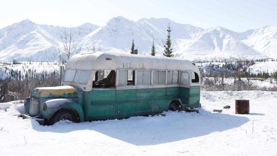 """Der berühmte Bus aus dem Film """"Into the Wild"""" lockt viele Fans an – leider enden die Ausflüge in der Wildnis immer wieder tödlich."""