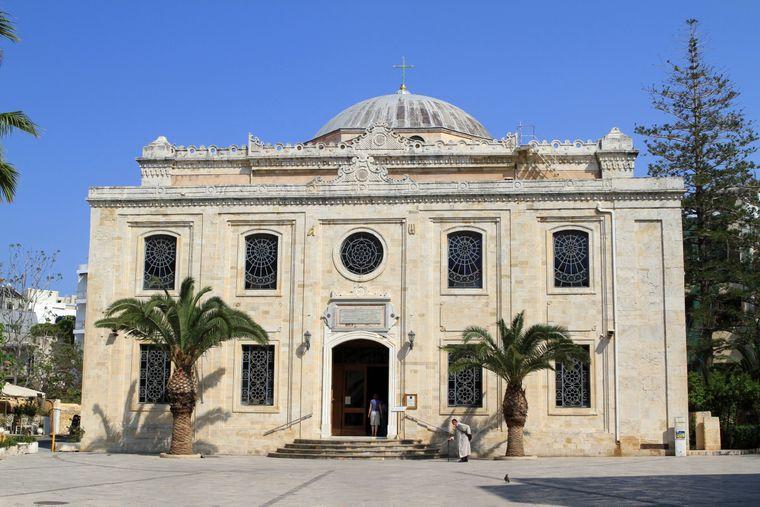 Eines der ältesten und wichtigsten Denkmäler des Christentums auf Kreta ist die Basilika des Agios Titos.