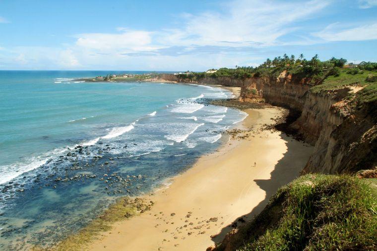 Die Baia dos Golfinhos in Brasilien ist ein echter Traumstrand.