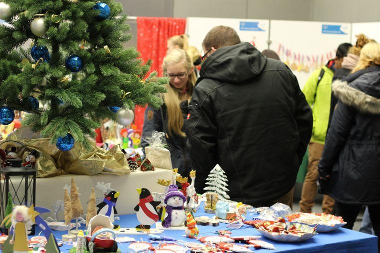 Auf dem CJD Weihnachtsmarkt gibt es handgefertigte Produkte aus den CJD Werkstätten.