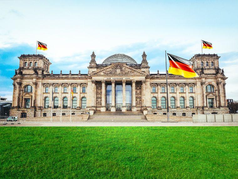 Das Reichstagsgebäude in Berlin ist ein absoluter Klassiker für Besucher.