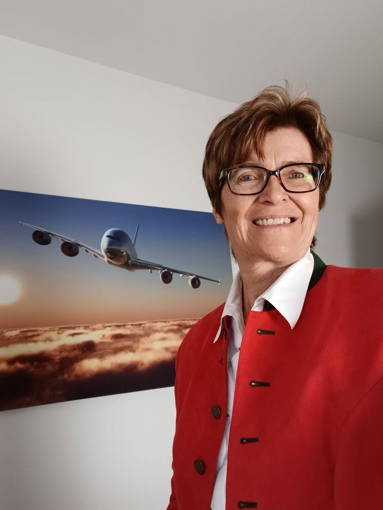 Ingrid Richter hilft Menschen, die unter Flugangst leiden.