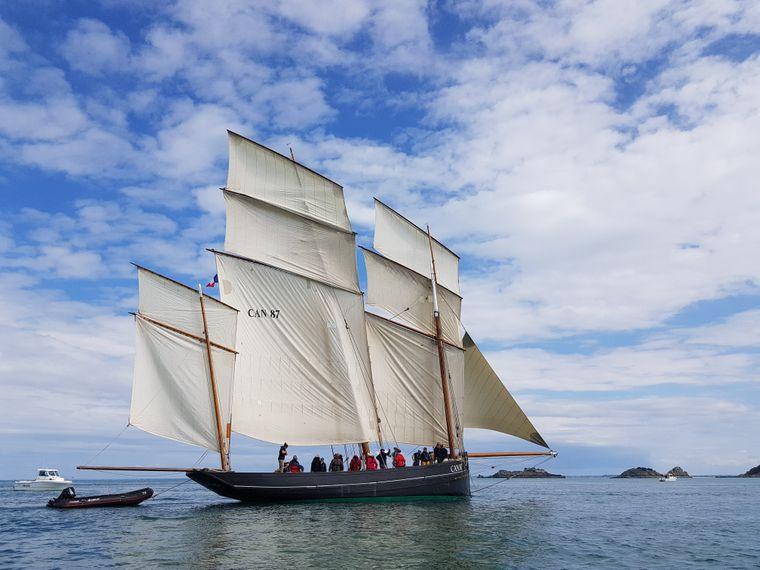 Einfach entspannen: In der Bucht von Cancale geht das gut mit Boot.
