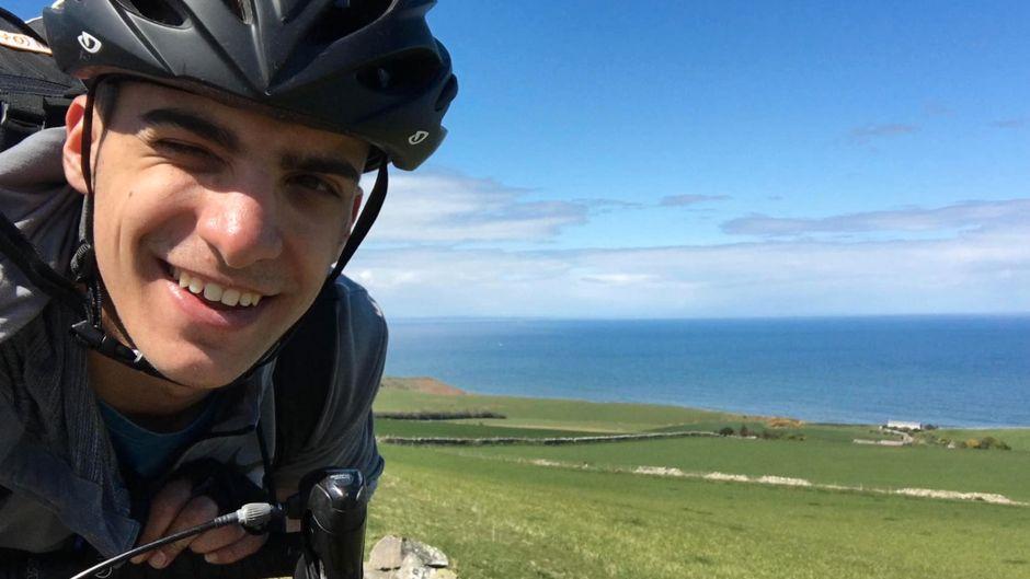 Student Kleo Papadimitriou (20) ist von Aberdeen in Schottland mit dem Fahrrad nach Griechenland gefahren.