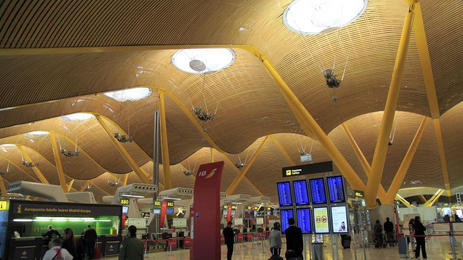Der Flughafen Adolfo Suárez Madrid-Barajas in Madrid.