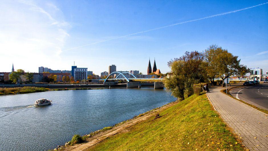 Ein Ufer in Frankfurt, eins in Słubice: An der Oder trifft sich Europa im Kleinen.