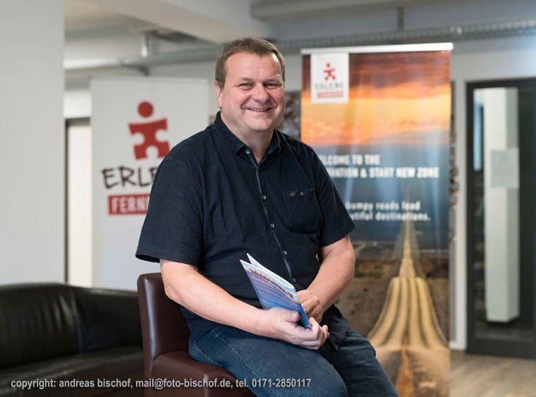 """""""Erlebe Fernreisen"""" -Geschäftsführer Ralf Wiemann."""