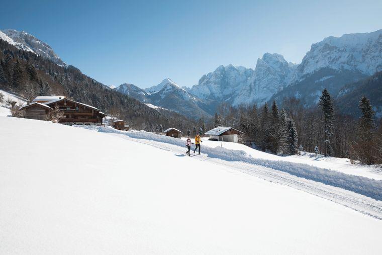Das winterliche Kaisertal lässt sich am besten auf der gleichnamigen Route erkunden.
