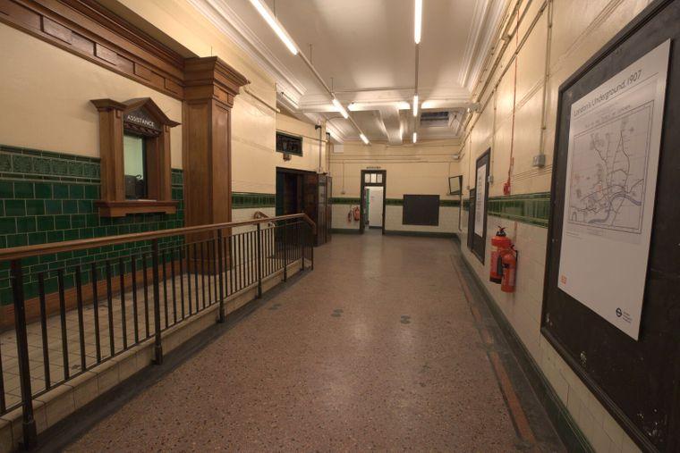 Schalter in der Station Aldwych in London.