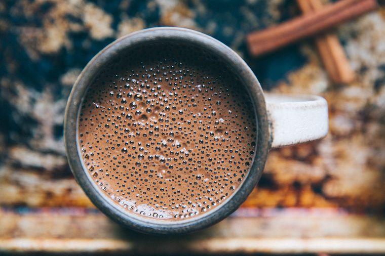 Tasse Kakao bei einer Kakaozeremonie