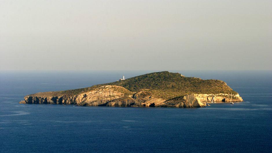 Du kannst die spanische Insel Tagomago kaufen.