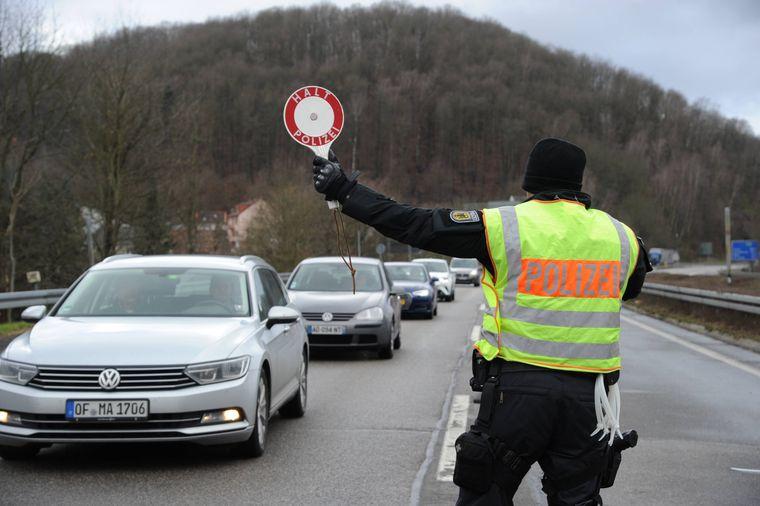 Grenzkontrollen der Bundespolizei am Mittwoch, 29. Januar 2020, an der Goldenen Bremm in Saarbrücken.
