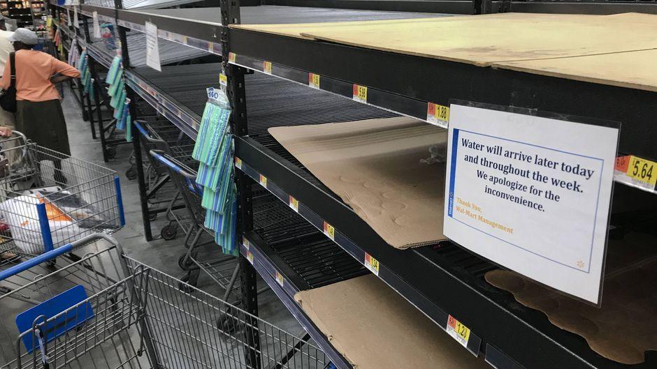 In Chapel Hill in North Carolina ist bereits das Wasser ausverkauft.