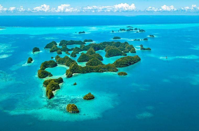 Luftaufnahme der Inseln von Palau im Pazifik.