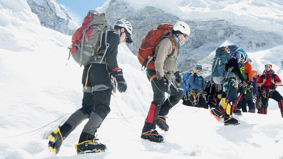 Unter den Bergsteigern auf dem Mount Everest befinden sich auch nicht genügend trainierte Hobbykletterer.