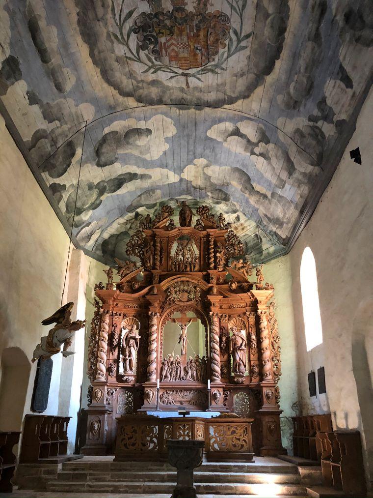 Der Altar der Basilika im Kloster Ilsenburg.