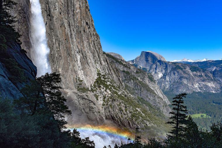 Ein Klassiker im Yosemite Nationalpark sind die gleichnamigen Yosemite Falls.