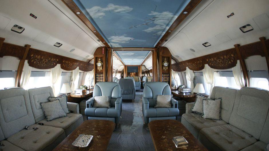 Ein Anblick, den nur wenige im Leben mal live sehen: Luxus pur im Privatjet.