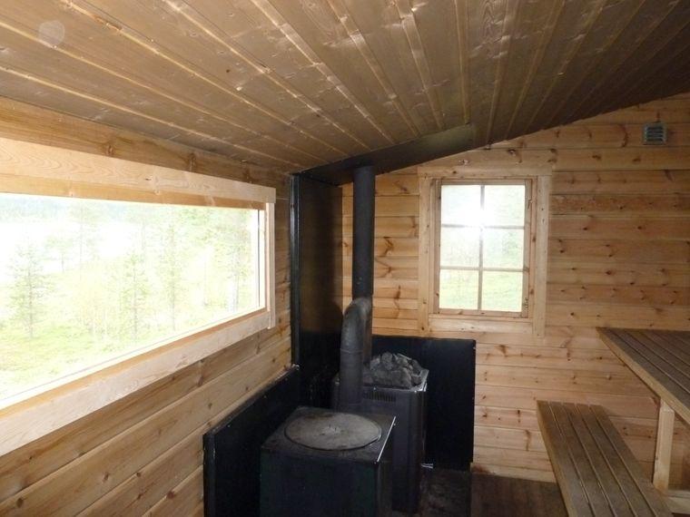 Hausen in gemütlichen Blockhütten.
