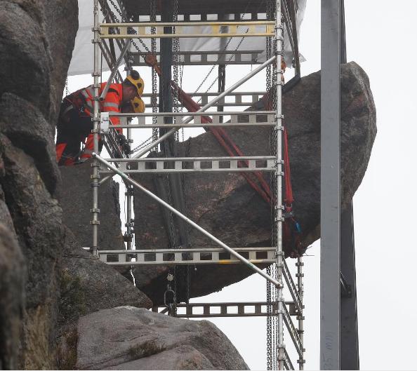 Der Trollpenis in Norwegen ist wieder aufgebaut worden.