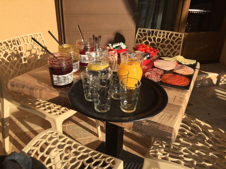 Frühstück auf der Terrasse im Hotel Roberto Geissini