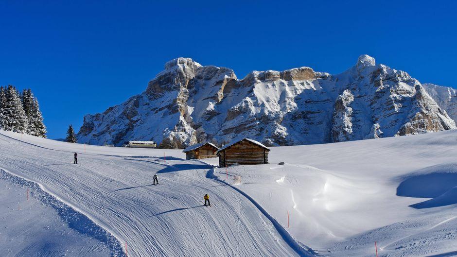 Skipiste im Skigebiet Alta Badia, Corvara, Südtirol.