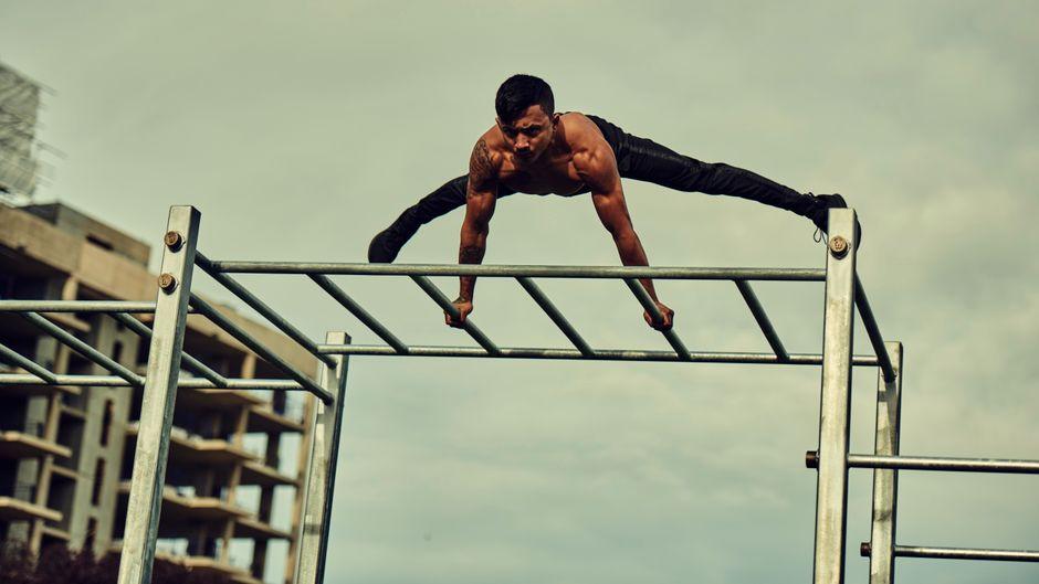 Im Steel Warriors Gym können alle kostenlos unter freiem Himmel trainieren.
