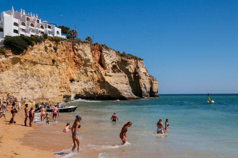 Praia do Carvalho an der Algarve.
