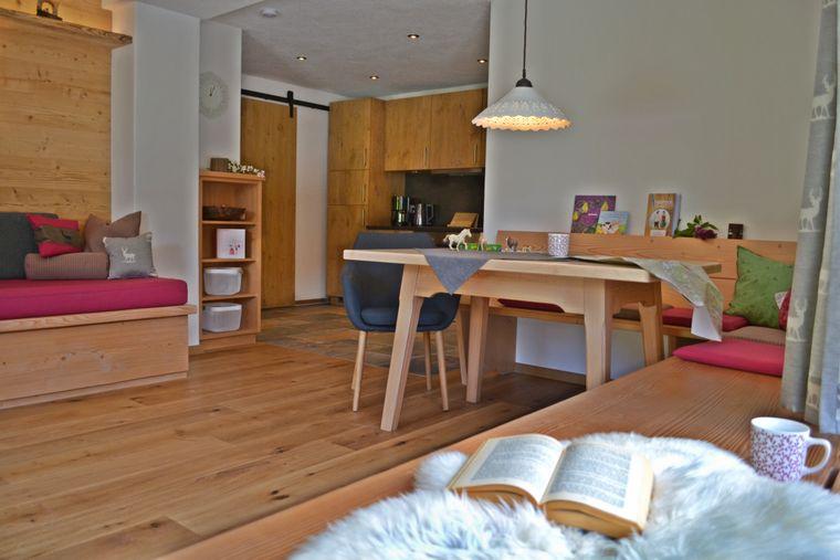 Drei Ferienwohnungen, ein Apartment und zwei Ferienhäuser stehen Gästen im Bussjägerhof zur Verfügung.