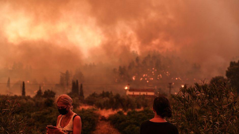 Die Waldbrände auf der griechischen Insel Euböa sind außer Kontrolle.