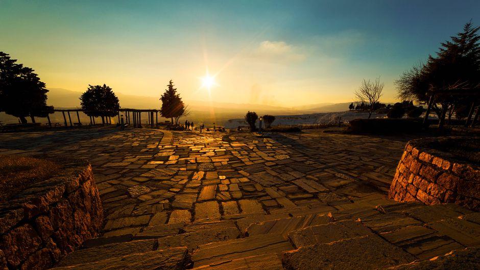 Im türkischen Badeort Side haben Urlauber große Chancen auf einen sonnigen Urlaub.