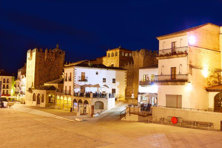Der Hauptplatz in Cáceres ist ein beliebter Anlaufpunkt.