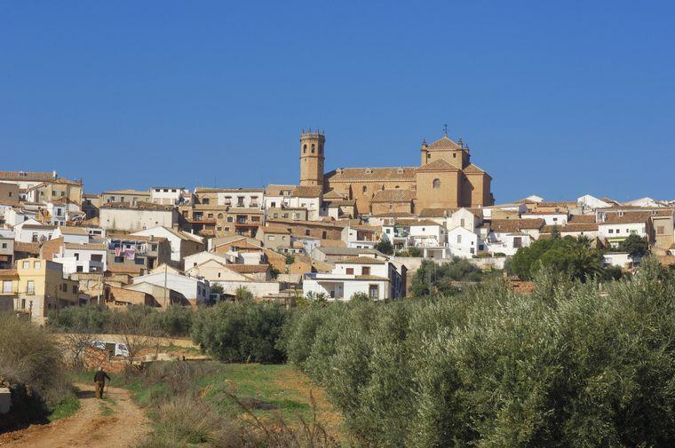 Blick auf Baños de la Encina, ein Dorf in der Provinz Jaén.