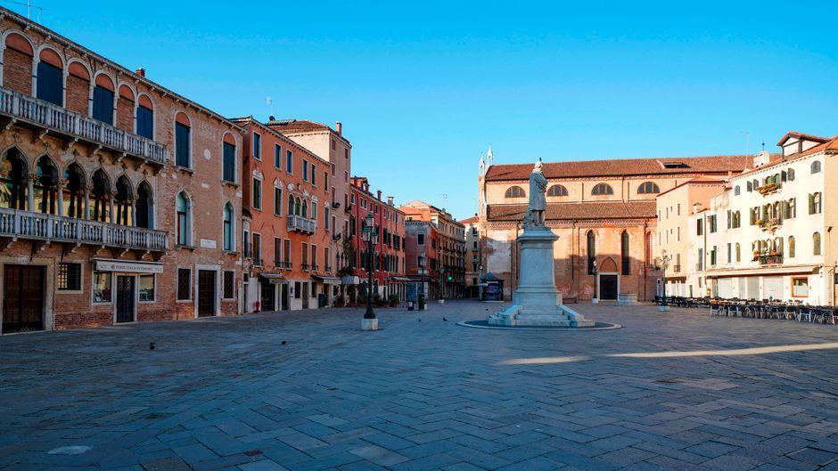 Durch die Ausgangssperren und Kontaktbeschränkungen ist Venedig fast menschenleer.
