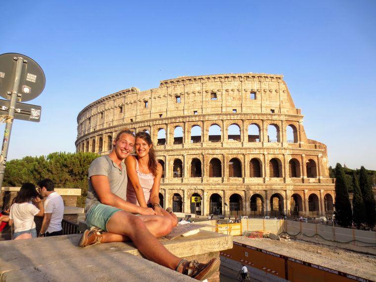 Nach fast vier Monaten, in denen Christopher seine Freundin Michal nicht gesehen hatte, trafen sie sich in Rom wieder.