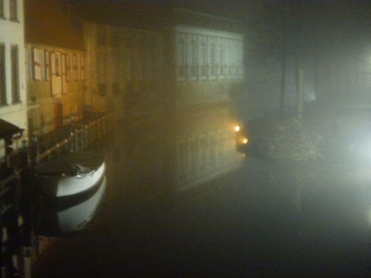 Nebelschwaden über Brügge.