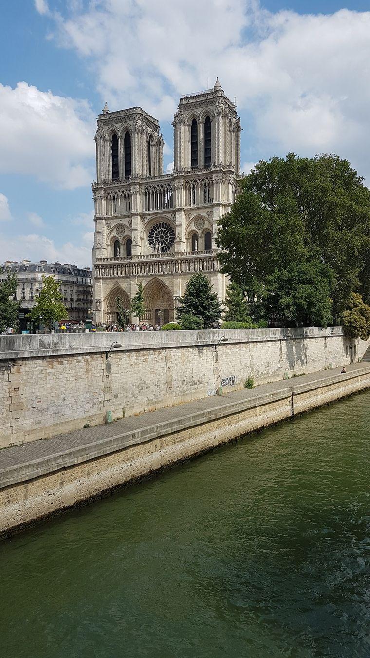Kirsten Nowakowski aus Seelze hat Paris im Juni 2018 besucht und dabei ein Erinnerungsfoto von Notre-Dame gemacht.