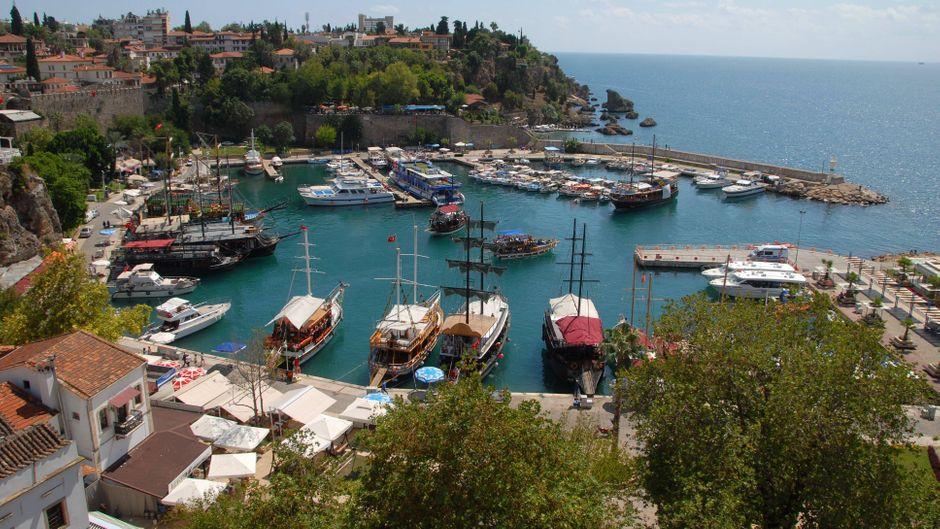 Der Hafen von Antalya gehört zur historischen Altstadt Kaleici.